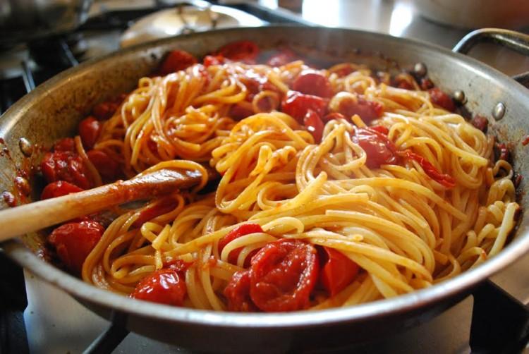 come cucinare una pasta al pomodoro da dio - sara carboni - Come Cucinare Pasta